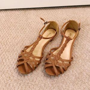 Cutesy tan sandals