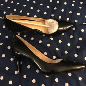 New, never worn Cole Haan black patent pumps! 👠