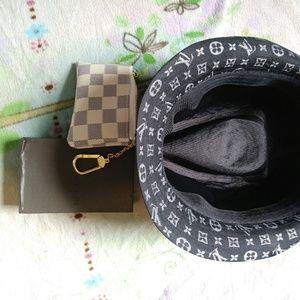 Coin pocket/ bucket HAT