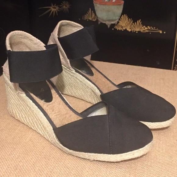 5ba18d81181 Lauren Ralph Lauren Shoes - Ralph Lauren Charla Black Wedge Espadrille SIze  8B