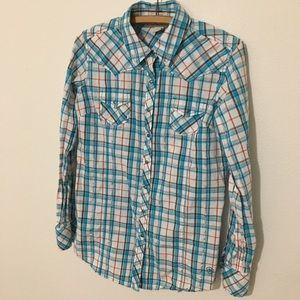 Ariat fitted plaid button down shirt