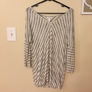 Liz Lange Maternity Striped 3/4 Length Sleeve Top!