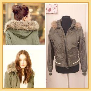 Forever 21 Green Puffer Jacket w/ Fur Hoodie