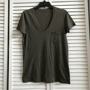 🆕Madewell v-neck t-shirt, EUC.