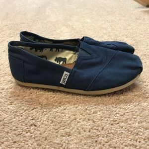 Navy Blue Toms