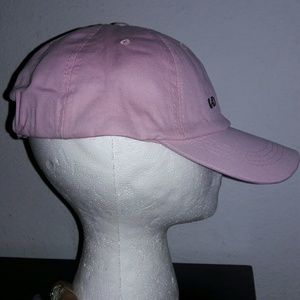 Bubble gum pink hat