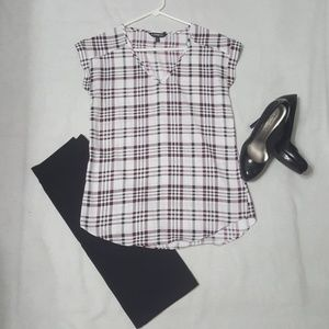 XS green and maroon checkered pattern blouse