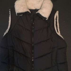 Black fleece lined vest