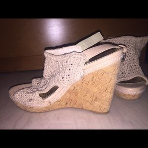✨ONLY WORN ONCE✨ Lulu Townsend Wedges