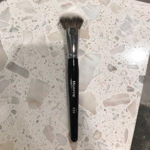 Morphe E58 blush brush