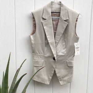 ZARA Vest, NEVER been worn, still has original tag