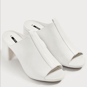 NWT Zara white mules