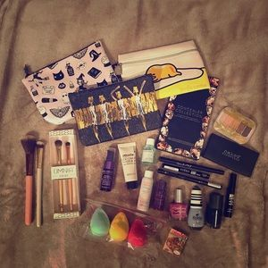 Other - 💄💋all new makeup bundle ➕ Ipsy Bags!