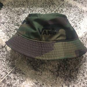 Camp Print Vans Bucket Hat