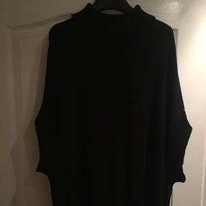 ONE HOUR SALE 🎉🎉NWT Oversized Cowl Neck Sweater