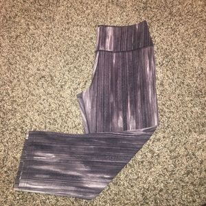 Nike DRI-FIT, Capri mid-rise leggings, size Medium