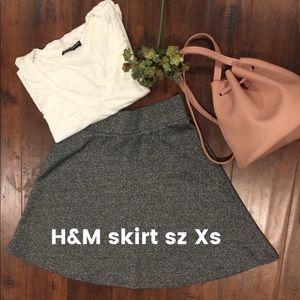 H&M skirt sz XS