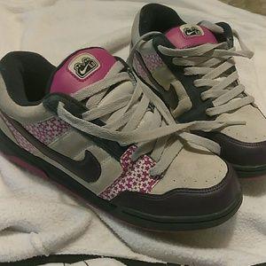Nike 6.0. Size 5.5