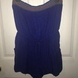 Vibrant blue strapless jumper