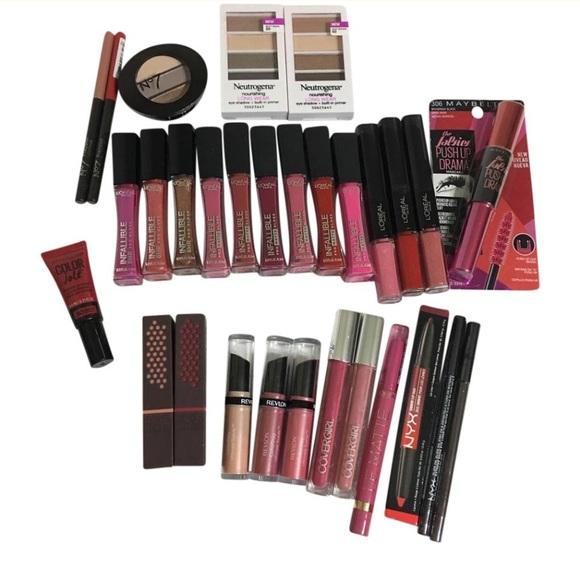 30 pieces Name Brand Makeup Mix Lot