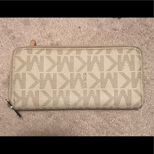 🎉MICHAEL KORS Wallet 🎉