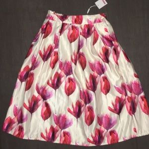 White tulip skirt