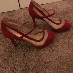 Red sexy heels with mesh paneling