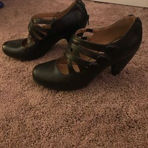 New unique strappy heels with zipper