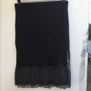 Potter's pot black sheer lace & lined skirt large