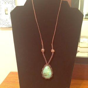 Casual jade color woven necklace