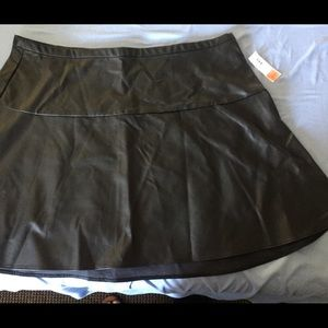 Black faux leather skirt size 16 old navy