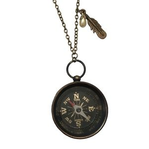 NECKLACE - Compass