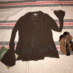 Notations semi sheer brown blouse med ruffle