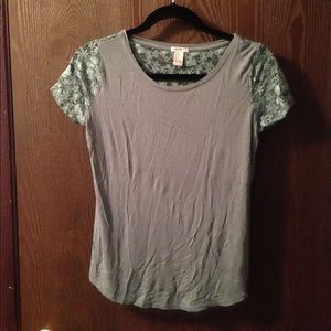 Short sleeve green lacy top