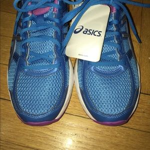 ⏳Brand new Womans asics Gel contend 4 sneakers