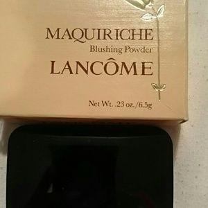Lancome maquiriche blushing powder
