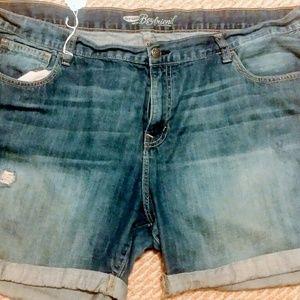 Old Navy, distressed boyfriend jean shorts Sz 16R