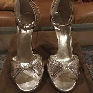 GUCCI gold leather open toe ankle strap heels 7.5