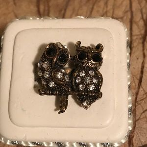 This is a beautiful set of owls Ring!
