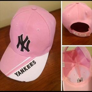 Yankees hat (pink and white)