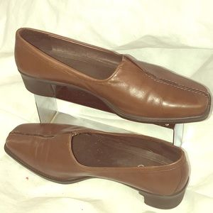 ECCO Brown leather heels