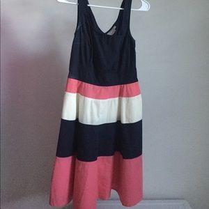 Beautiful block color dress