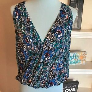 NWT Express plunging  wrap top Small