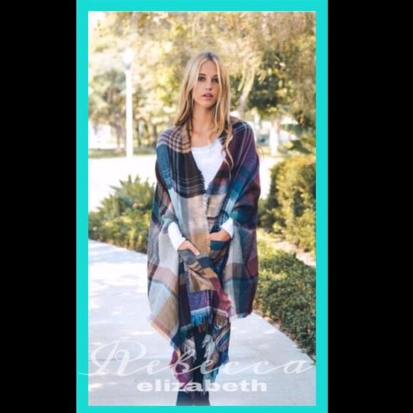 Aluna Levi Jackets & Blazers - Comfy Plaid Poncho