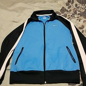 Nike Woman's zip up