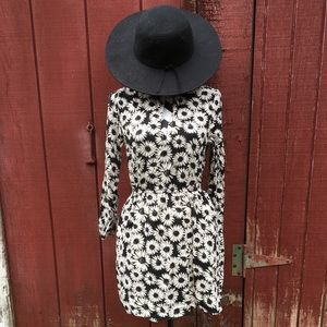 Black & White Daisy Dress