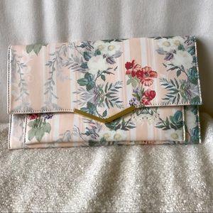 NWT Floral clutch
