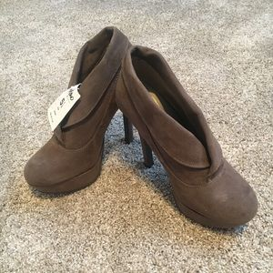 New taupe heels