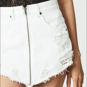 LF CARMAR Front Zip Denim Skirt White