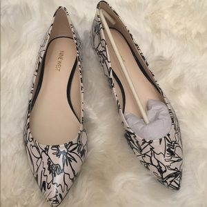 NIB Onlee Nine West Black and White abstract flats